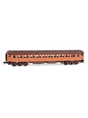 micro trains 14500120 milw. road coach #4210