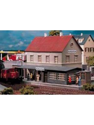 piko 61820 burgstein station